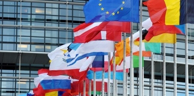 EU countries buy more time to scrutinise green investment rules